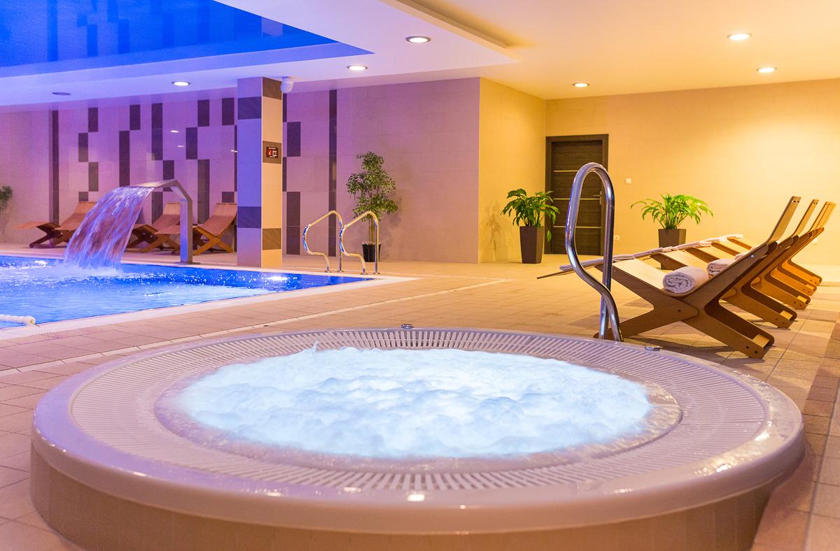 Zdjęcia basenu hotelowego